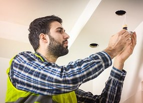 Upotettavien LED-kohdevalaisimien asennus